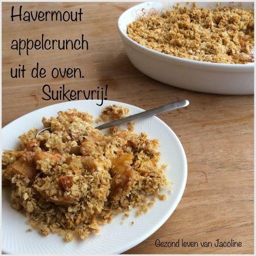 Havermout appelcrunch uit de oven | Ingrediënten (voor 2 personen) 2 á 3 grote appels 2 eetlepels amandelschaafsel (optioneel) 100 gram havermout 30 gram roomboter snuf kaneel