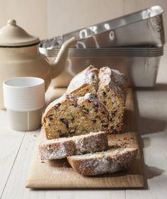 Το Αλεύρι ΑΛΛΑΤΙΝΗ προτείνει ένα κέικ για το τσάι ή τον καφέ με αιθέριες νότες πορτοκαλιού και σταγόνες σοκολάτας.