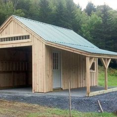 14x20 One Bay Garage - Exterior with overhang.