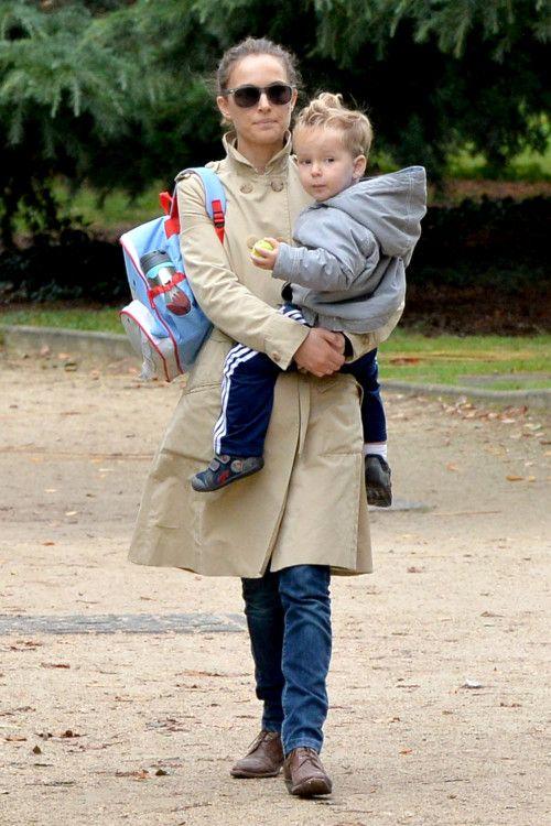 Natalie Portman & Son: Playful In Paris
