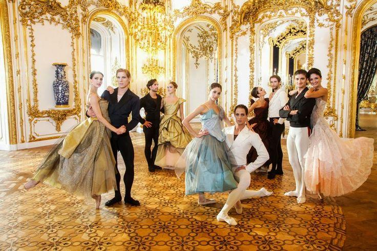 Choco-chic: Los diseños de Vivienne Westwood para el ballet del concierto de Año Nuevo en Viena
