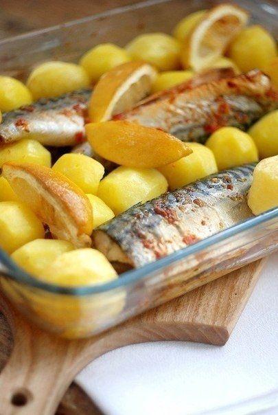 Фото к рецепту: Запеченная острая скумбрия с овощами