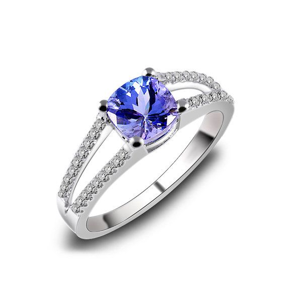 Beautiful tanzanite engagement rings