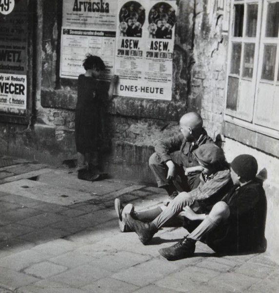 Viliam Malík: Slnko svieti i pre chudobných, 1935 - 1936