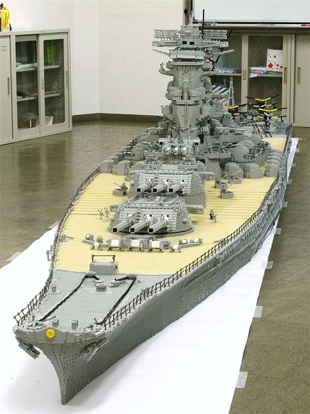 O maior encouraçado de Lego já feito