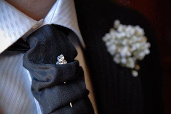 cravatta sposo, con spilla
