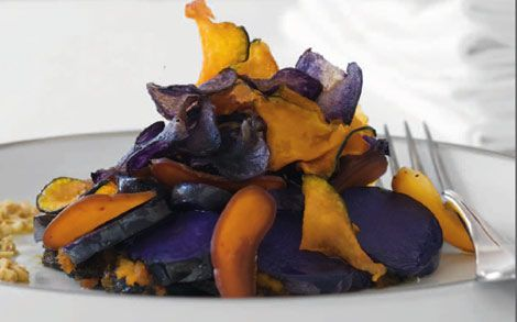 Tortino di patate viola, zucca e bottarga - La Cucina Italiana - Ricette: Pranzo di Natale
