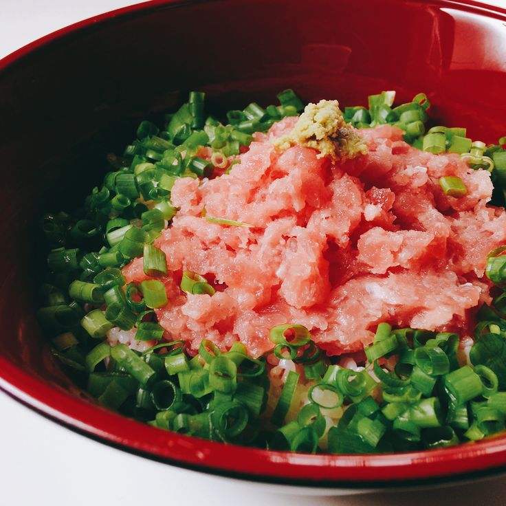 ネギトロ丼 Green onion and raw tuna mince on rice