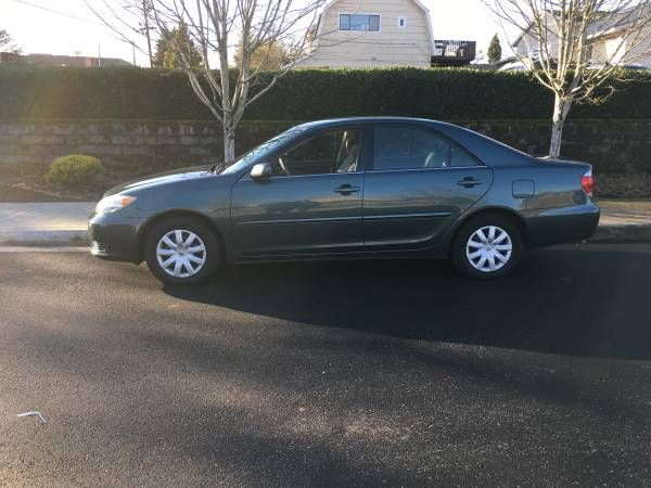 2005 Toyota Camry LE Low miles 109,000 original miles clean title