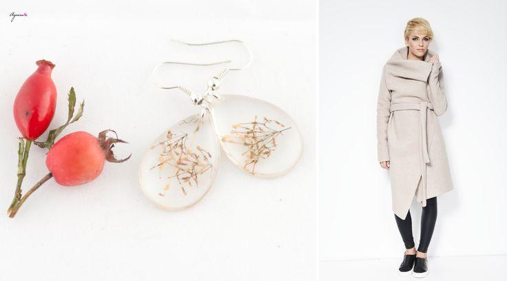 Autumn sweater coat and light drop earrings   Sweater https://www.etsy.com/listing/180296308/autumn-sweater-coat-asymmetrical-sweater?ref=favs_view_3 Earrings https://www.etsy.com/listing/165729167/resin-earrings-natural-plant-inside-tear?ref=shop_home_active_8  #resin #earrings #agnera #sweater #coat #white #women #fashion #fall