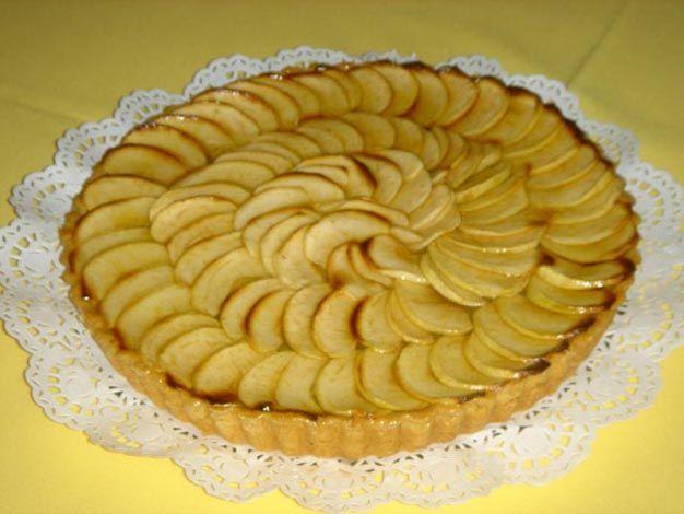 Aprenda a fazer Tarte de maçã simples de maneira fácil e económica. As melhores receitas estão aqui, entre e aprenda a cozinhar como um verdadeiro chef.