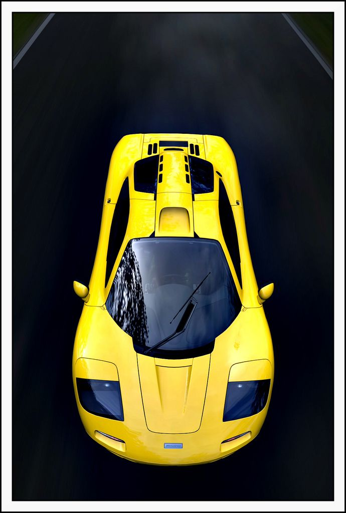 McLaren F1. Reminds me of nfs 2 :) think i even remember the cheats to that game