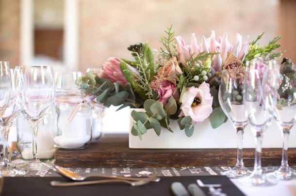 text runner + proteas | Catherine Mac #wedding