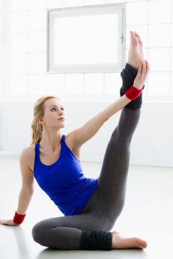 Conoce AQUÍ el curso online Clases-Yoga, la forma más fácil, rápida y segura de aprender yoga, fórmate en esta disciplina sin salir de casa.
