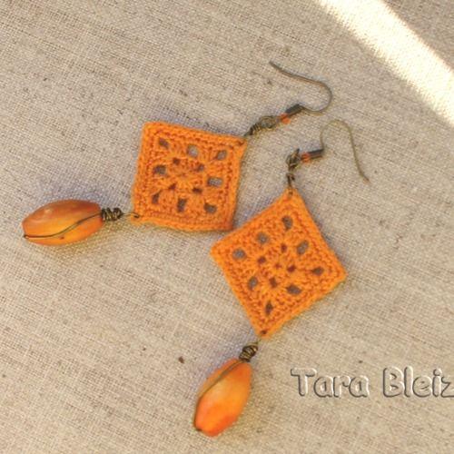 Boucles d'oreilles au crochet coton perlé très fin crochetées avec un crochet 0,60