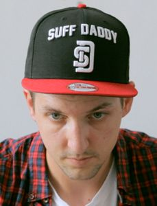 NEW ERA X SUFF DADDY SNAPBACK $50 German producer Suff Daddy relocated to Sydney after the release of his third album Suff Sells to make recalibrate his creative process and absorb Australia's influence into his music. Carving a name for himself through his soulful instrumentals and garnering …