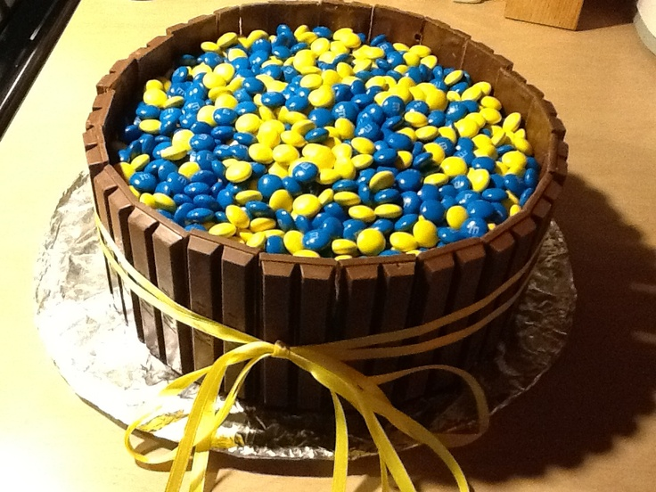 This is my cake for the CUB SCOUTS BLUE AND GOLD BANQUET.I'd say it is pretty cool. What do you think?