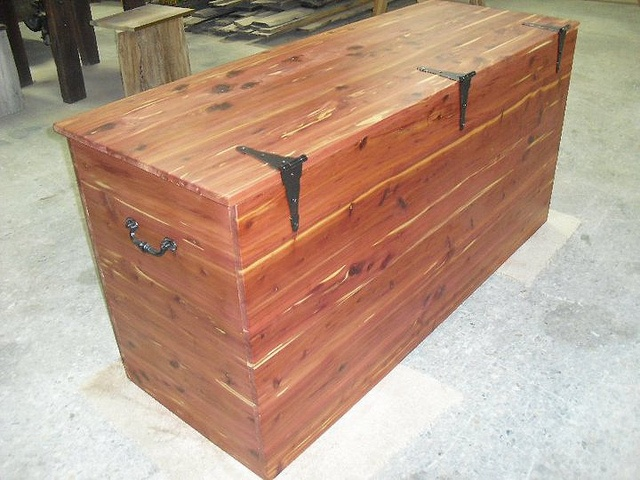 58 best images about cedar chests on pinterest blanket chest christmas books and wood storage. Black Bedroom Furniture Sets. Home Design Ideas