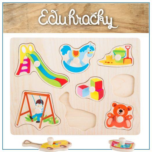 Drevené puzzle s úchytkami sú hračky určené pre deti od cca 1 roka a podporuje jeho zručnosti ako je jemná motorika, manuálnu zručnosť, logické myslenie a cit pre tvar predmetu. Roztomilý motív hračiek na ihrisku a v detskej izbe.