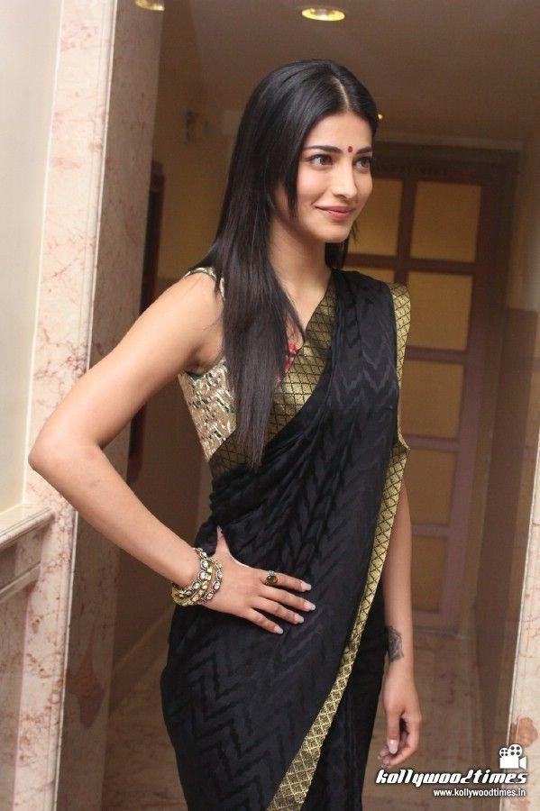 Shruti at Poojai Movie Press Meet