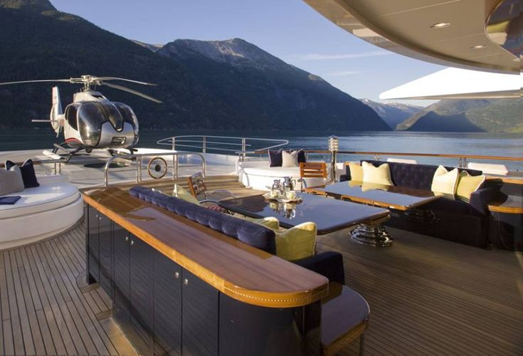 Luxury Lifestyle! Super Yacht Whit Helicopter!!