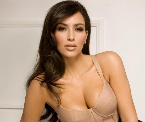 33 Hot Kim Kardashian Photos You Need To See