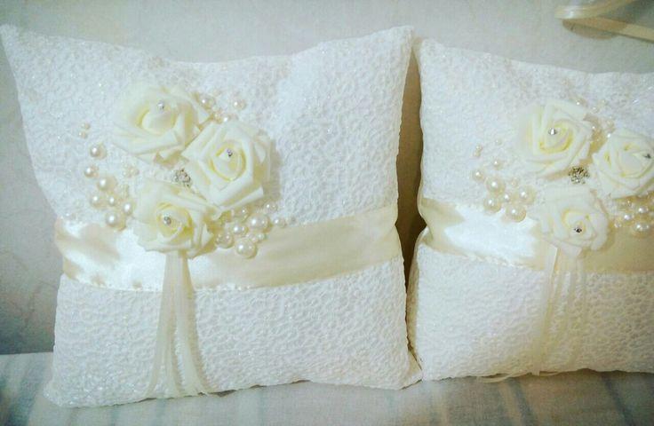 Свадебные подушки, подарок на свадьбу, подушка предъявителя кольца, Кухня с удобствами, корзинки для полотенец, шьём сами, заказываем на подарок, подарки руками. #ручнаяработа #хэндмэйдАпельсин #шьюназаказ #ручнаяработа #сделаюдляВас @mariyademkosportik2