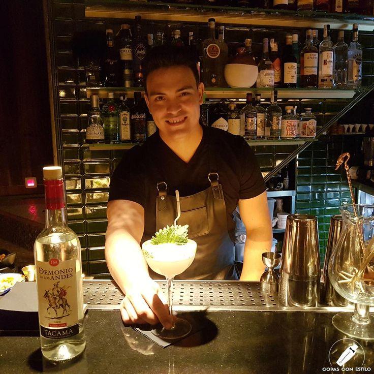 """Sabroso e impactantes es el cóctel """"Fusión Nikkei"""", del fantástico bartender Samuel Rosa.    #CopasConEstilo #Bartender #Cocktail #Coctelería #Cóctel #Cócteles #Madrid"""