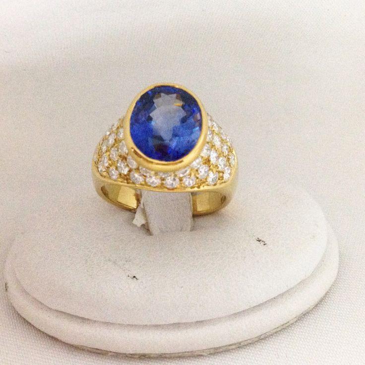 #sapphire  #jewels #jewellery #diamonds #gioielleriacentrooro #gioielli #ring #anello #zaffiro #diamanti  www.stores.ebay.it/gioielleriacentrooro