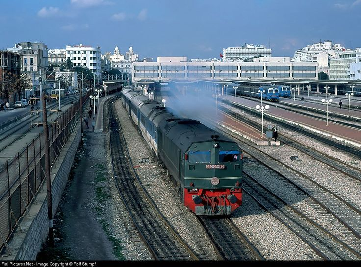 RailPictures.Net Photo: SNCFT DP-152 Untitled BBD MXS-624 at Tunis, Tunisia by Rolf Stumpf