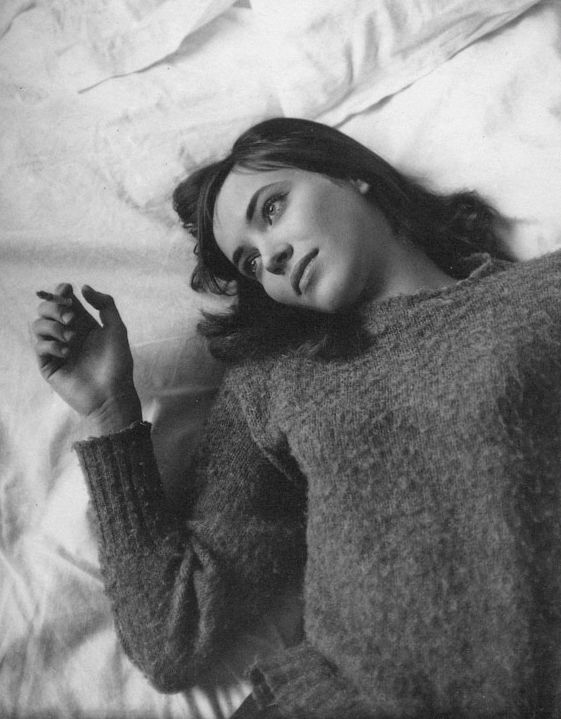 anna karina in le petit soldat, directed by jean-luc godard.    essential comfy sweater