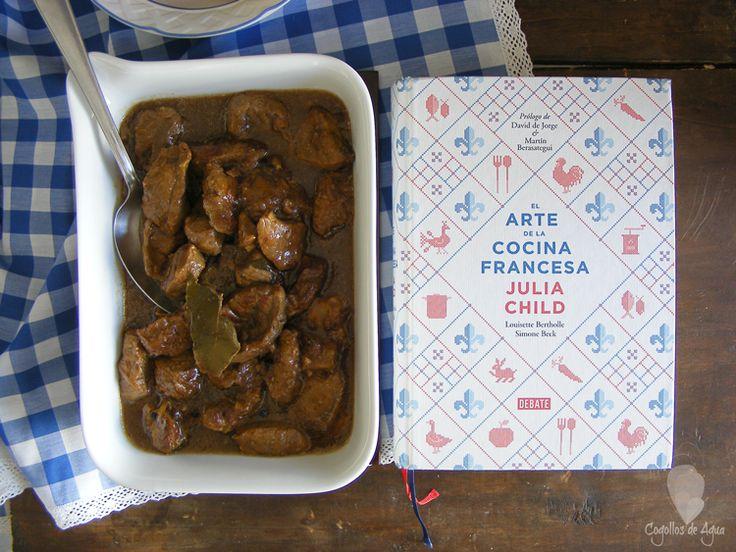 Cogollos de Agua: TERNERA BRASEADA CON CERVEZA Y CEBOLLA { Libro: El arte de la cocina francesa de Julia Child}