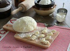 Gli gnocchi di ricotta sono una ricetta semplice e veloce da preparare, se volete anche velocizzare la preparazione potete tranquillamente prepararli a toc