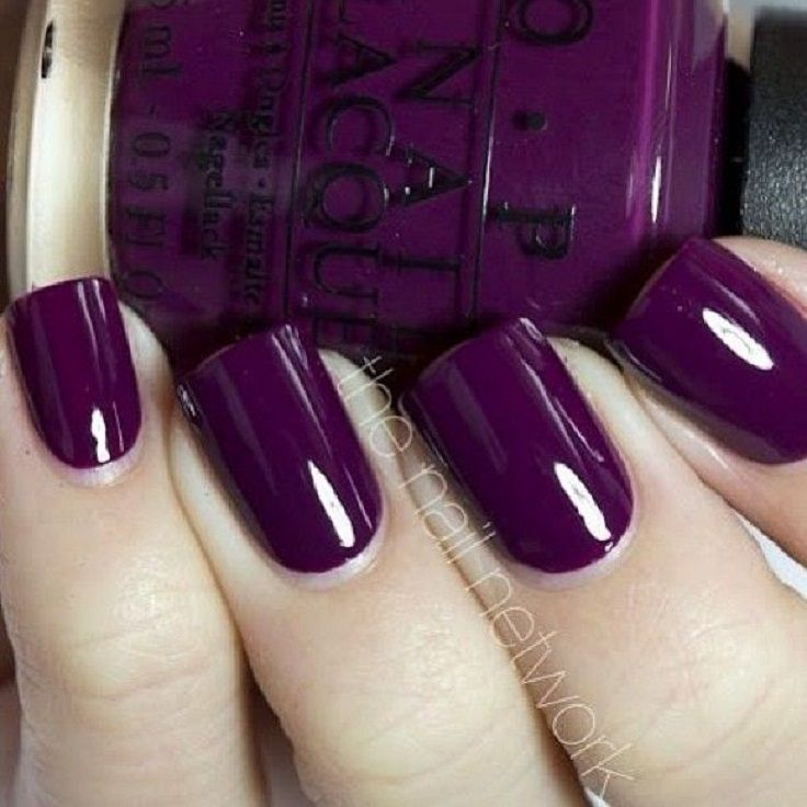Try deep purple nails this fall. Cozy up in sweater weather with beautiful fall-colored nails!