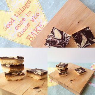 Quadrados de dois chocolates, caramelo e biscoito - Quanto Mais Quente Melhor