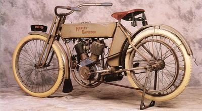 Harley Davidson V-Twin Left Rear, 1909