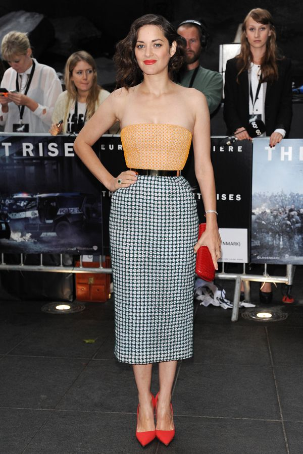 Marion Cotillard - Dior - I admire women who can pull this look off, because I certainly can't! She looks stunning, doesn't she?