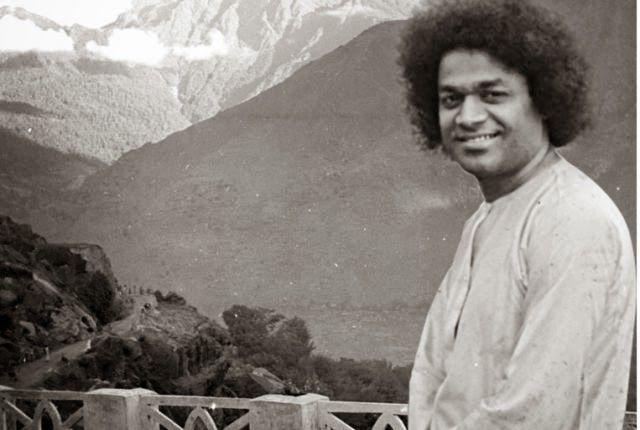 TuttoPerTutti: LA DOTTRINA DI SATHYA SAI BABA. Sathya Sai Baba (Puttaparthi, 23 novembre 1926 – Puttaparthi, 24 aprile 2011) http://tucc-per-tucc.blogspot.it/2014/04/news-la-dottrina-di-sathya-sai-baba.html