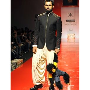 Indian fashion for men   Ethnic wear  sherwanis   Dress for diwali   How to wear fusion   Look sharp in ethnic wear   GQ India