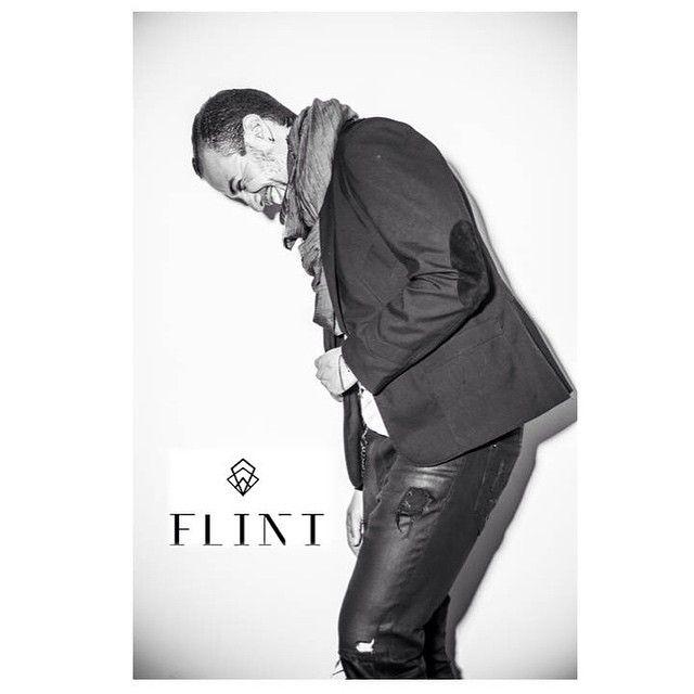 Ahora mis Chicos También son Flint!! No se pueden perder la Nueva Colección Flint For Men!! Chaquetas y Bufandas solo para Ustedes!!  Foto @camilodevis #meencantaflint #rockingflint
