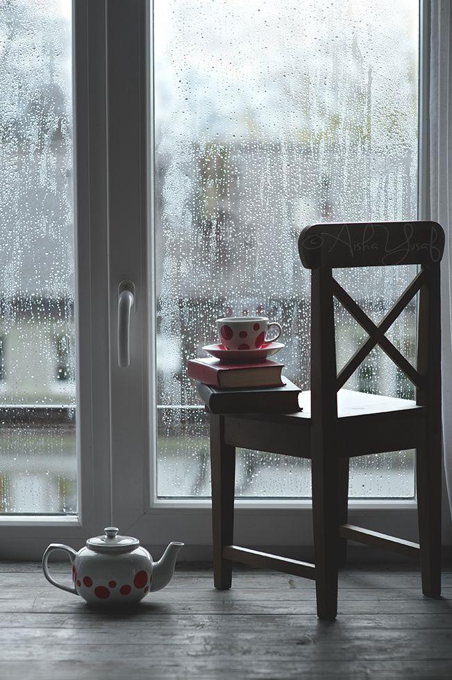 Books, Tea and Rainy Days by Aisha Yusaf on 500px