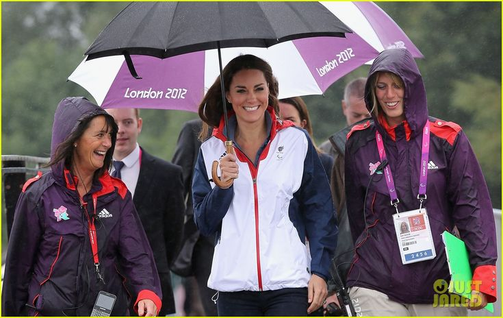 Duchess Kate Cheers Great Britain's Rowing Team to Gold Medal!