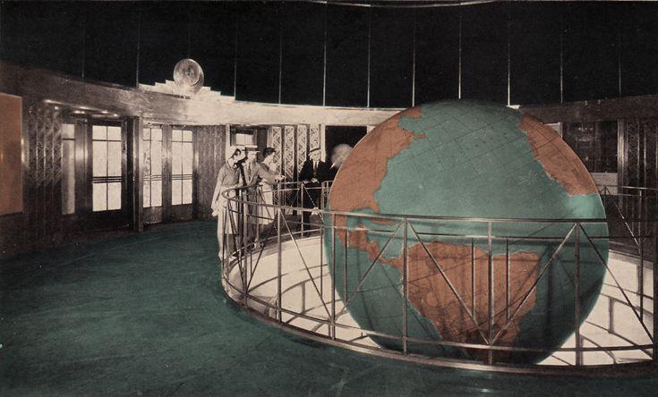 Lobby_and_Globe_in_News_Building.jpg (1495×903)