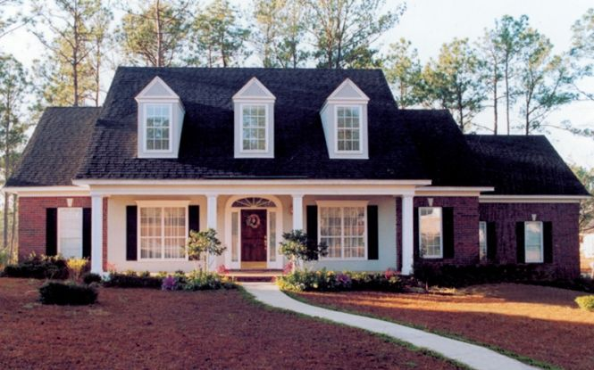 Southern house exterior design house plans traditional for Cape cod home exterior designs