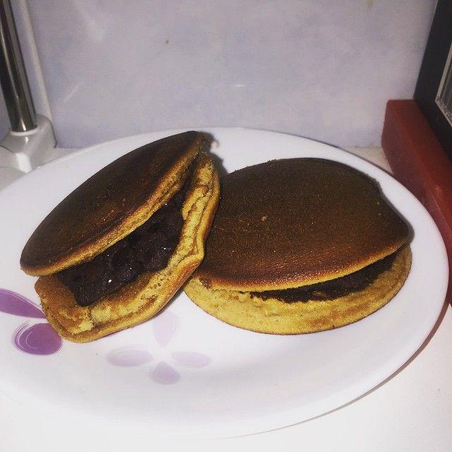 "20 Likes, 1 Comments - Jon (@jonpang72) on Instagram: ""Dorayaki with homemade red bean paste #sgfood #sgbaking #sgcooking #sgdessert #sghomemade #foodogsm…"""