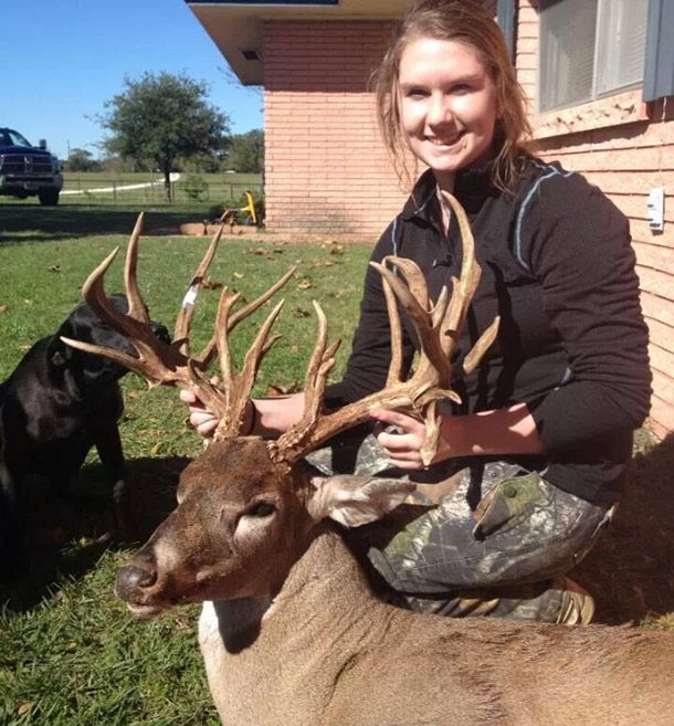 Big Buck 15 Year Old Texas Girl Shoots A 23 Point Youth