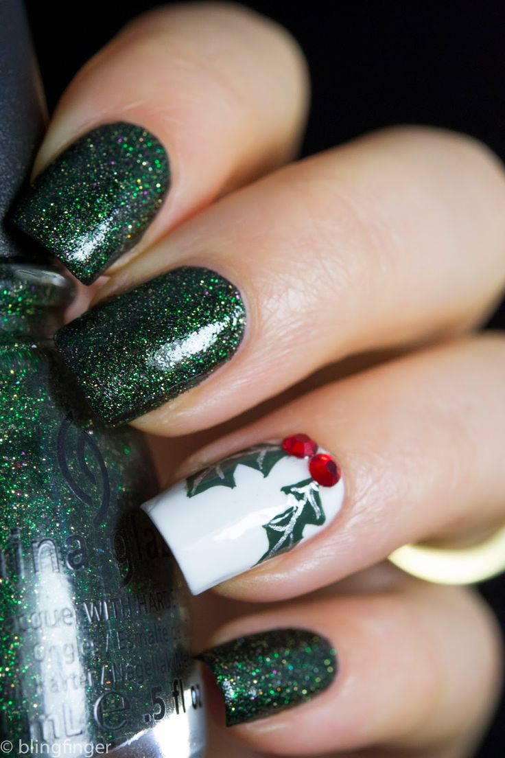 Christmas Holly Nail Art - Tutorial