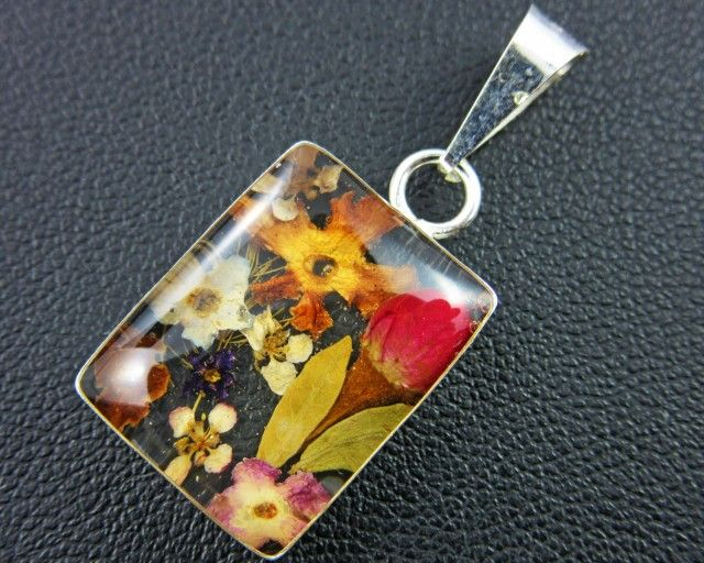 PRETTY FLOWERS SILVER PENDANT   GTJA 151 fashion jewellery