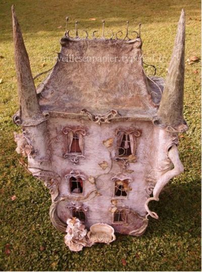 Laetitia Mieral's amazing 'Haunted House'!