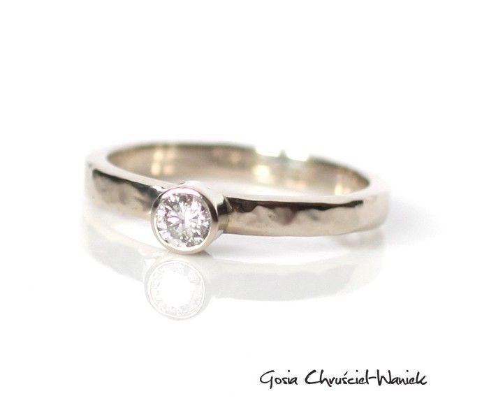 White Gold diamond ring #gold #diamnod #whitegold #engagmentring #diamnond #diamonds